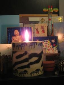 Weihnachtsgrüße und eine Zebra-Kerze (ein Weihnachtsgeschenk von Victoria)